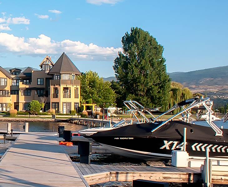 okanagan-lodging-boat-dock-amenities-sq