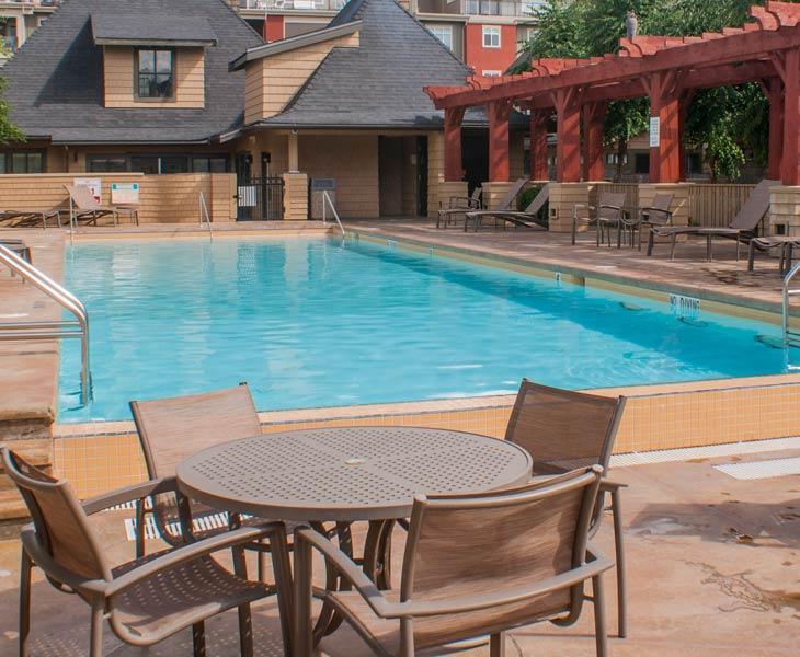 okanagan-lodging-swimming-pool-amenities-2-sq